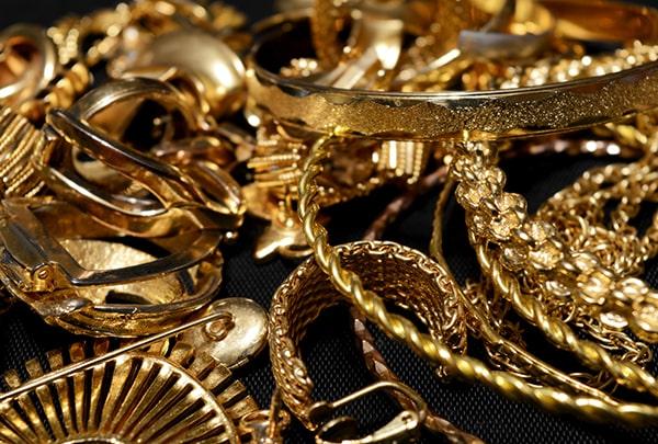 diverse Gold Schmuckstücke zum Ankauf